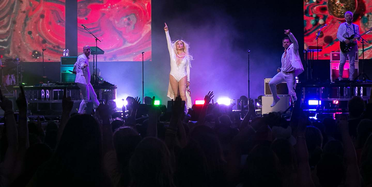 Kesha and Macklemore concert photo 4